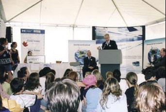 Le Ministre de l'Environnement, M. Stéphane Dion, lors de son discours de lancement de la campagne pour les transports durables, CUTA 2005